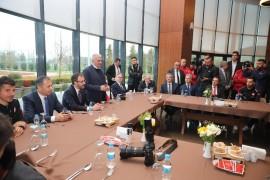 """Bakan Kasapoğlu: """"Ülkemizdeki stadyumlar dünyanın birçok ülkesinden daha ileridedir"""""""