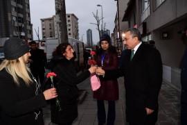 """Başkan adayı Erdem: """"İçerenköy Mahallemiz dertli, komşularımız hizmet bekliyor"""""""