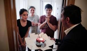 Başkan adayı Ulusoy'dan gençlere doğum günü sürprizi