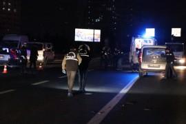 Beşiktaş'ta otomobil yayalara çarptı; 1 ölü, 2 yaralı