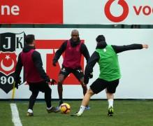 Beşiktaş, taktik ve şut çalıştı