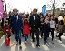 Çalık, İmamoğlu'nu çocuklarla İstanbul'a uğurladı