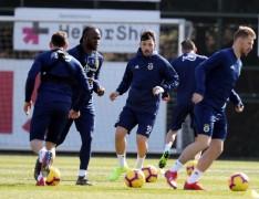 Fenerbahçe'de M. Başakşehir maçı hazırlıkları sürüyor