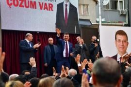 İmamoğlu, Kasımpaşa'da esnaf ve vatandaşlarla bir araya geldi