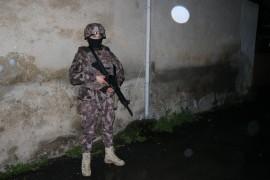İstanbul'da şafak vakti özel harekat destekli narkotik operasyonu: 40 gözaltı