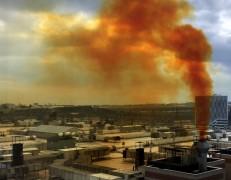 """Kuyumcukent'ten yükselen sarı duman sosyal medyada """"çevre kirliliği"""" tepkisine neden oldu"""