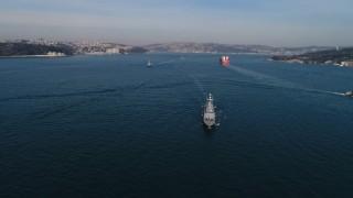 Mavi Vatan Tatbikat'ına katılan savaş gemileri, İstanbul Boğazı'nda