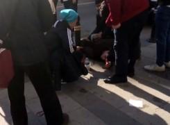 (Özel) Gençlerin sokak ortasındaki laf atma tartışması kanlı bitti