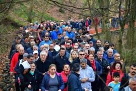Seçim turuna mola veren İmamoğlu, Belgrad Ormanı'nda yürüyüşe çıktı