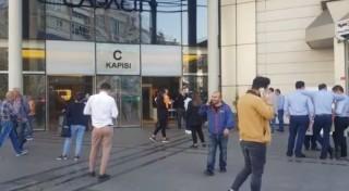 Bakırköy'de AVM'de yangın paniği