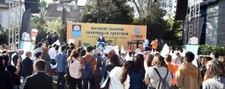 Beşiktaşlılar lösemili çocuklar için maskelerini takıp yürüdü