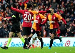 Süper Lig: Galatasaray: 1 – Denizlispor: 0 (İlk yarı)