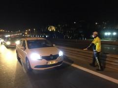 4 günlük sokağa çıkma kısıtlaması sonrası 15 Temmuz Şehitler Köprüsü'nde polis denetimleri başladı