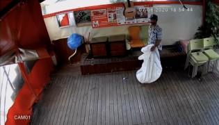 (Özel) İstanbul'un göbeğinde ilginç hırsızlık kamerada