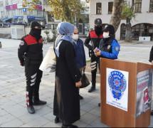 Kağıthane'de KADES kapsamında kadına şiddete karşı broşür dağıtıldı