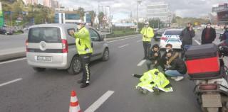 (Özel) İstanbul'da trafik polisinden yaralı genç kıza insanlık örneği