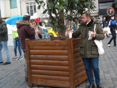 Sokağa çıkma kısıtlaması öncesi vatandaşlar restoranlara akın etti