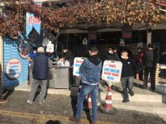 Beylikdüzü'nde kısıtlama öncesi vatandaşlar balık tezgahına akın etti